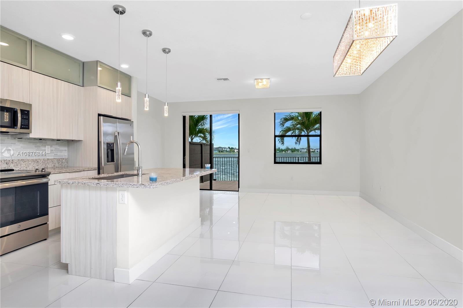 Miami Lakes #15839 - 03 - photo