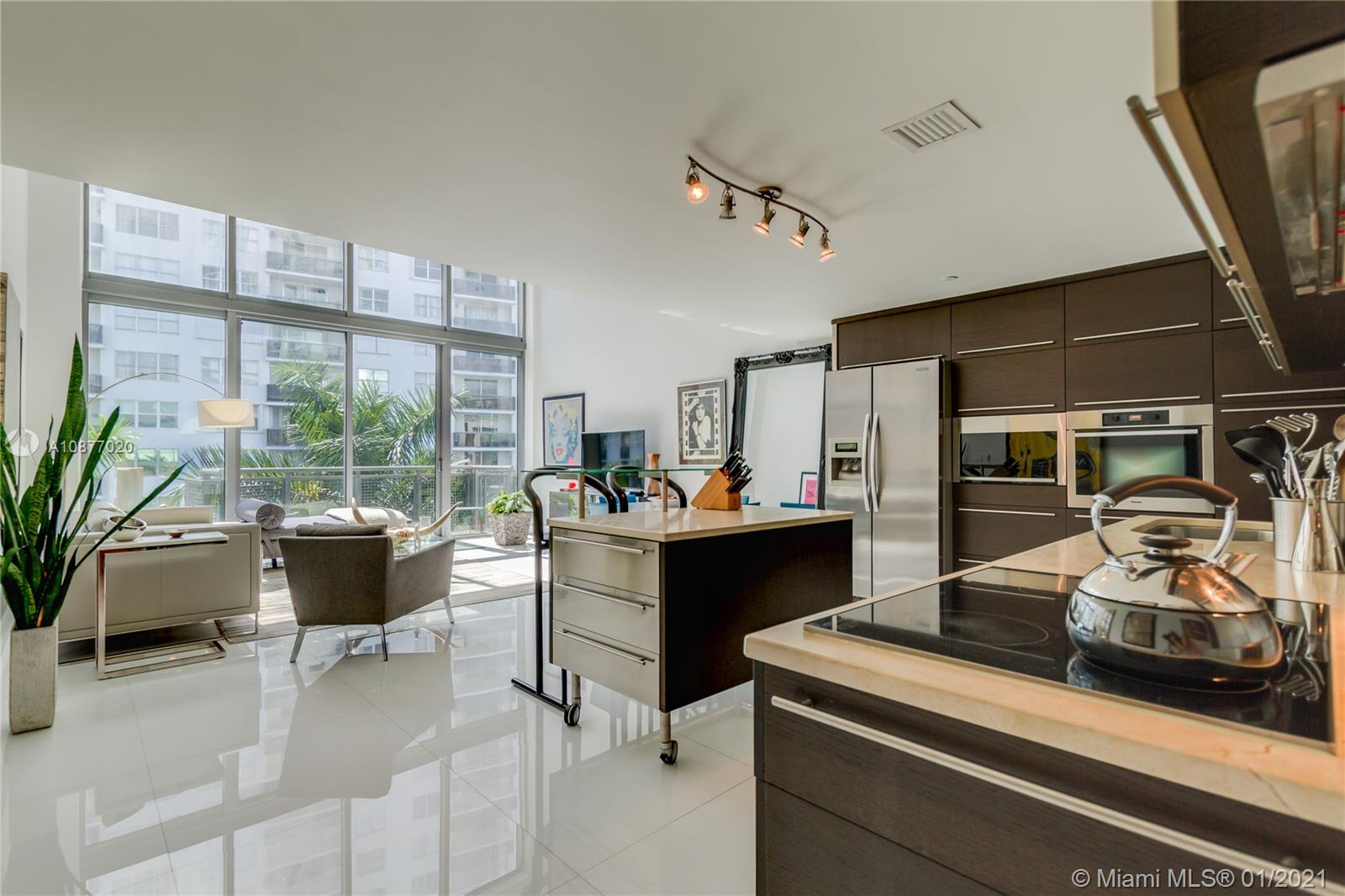 6000 Collins Ave #519 photo03