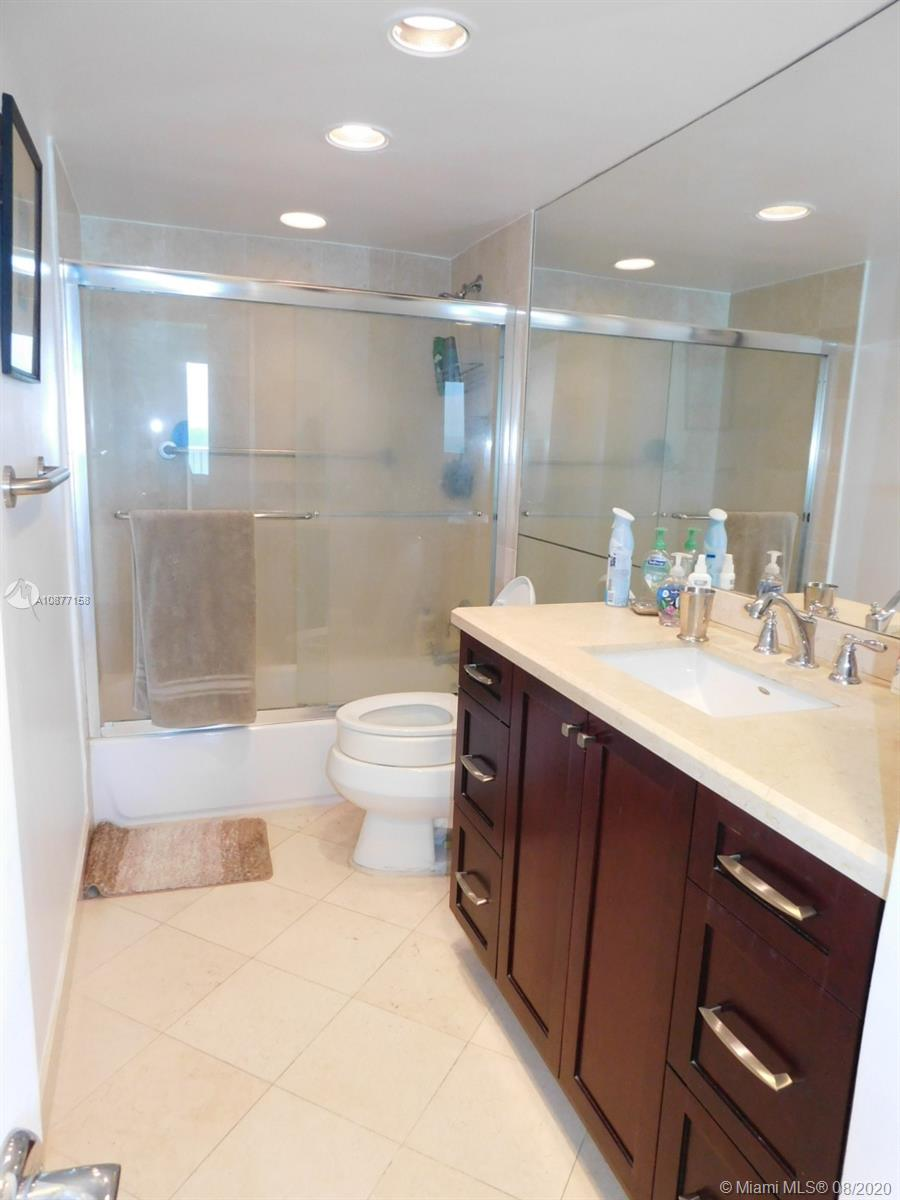 5401 Collins Ave #828 photo016