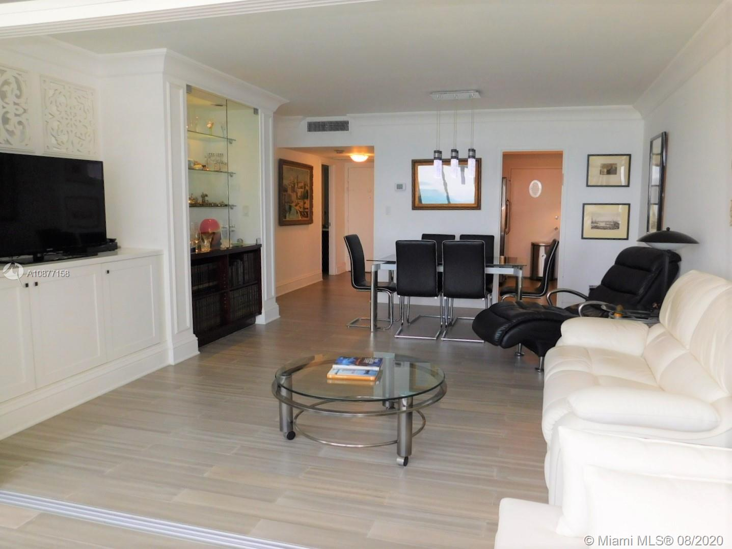 5401 Collins Ave #828 photo01
