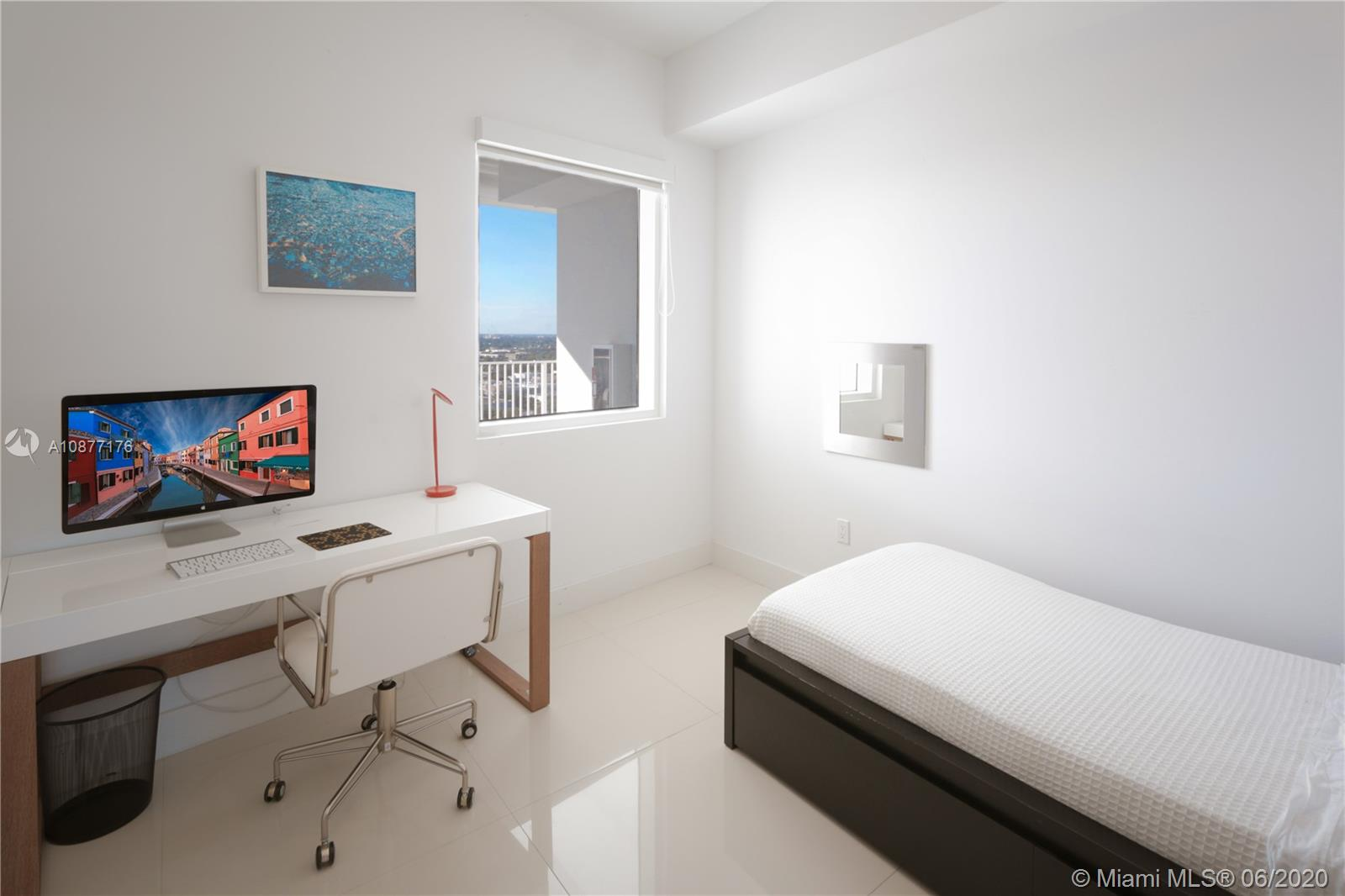 Photo of 2020 N Bayshore Dr #709 listing for Sale