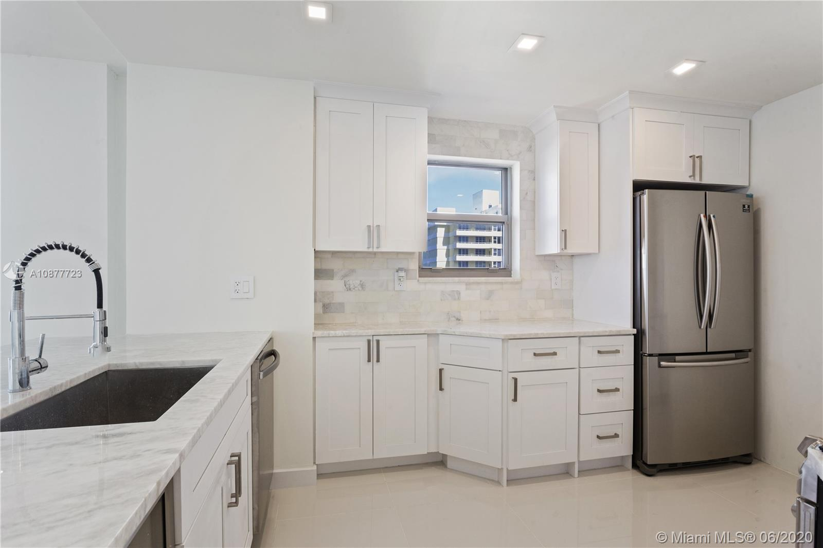 5555 Collins Ave #12R photo02