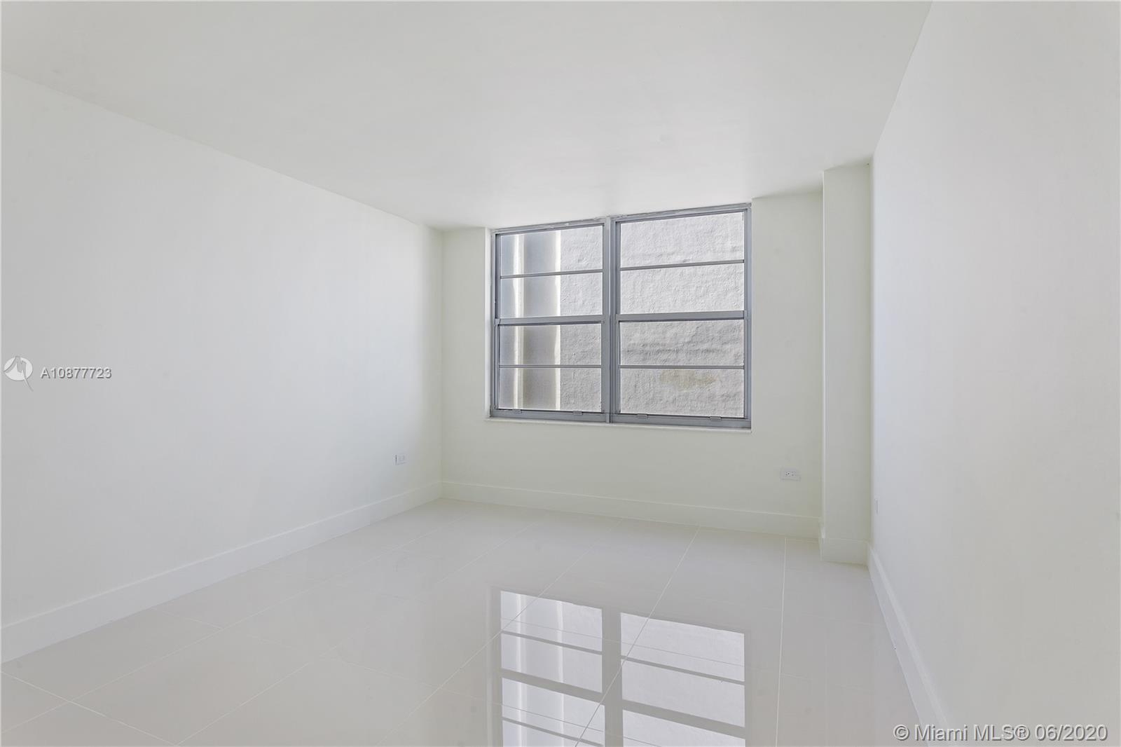 5555 Collins Ave #12R photo09