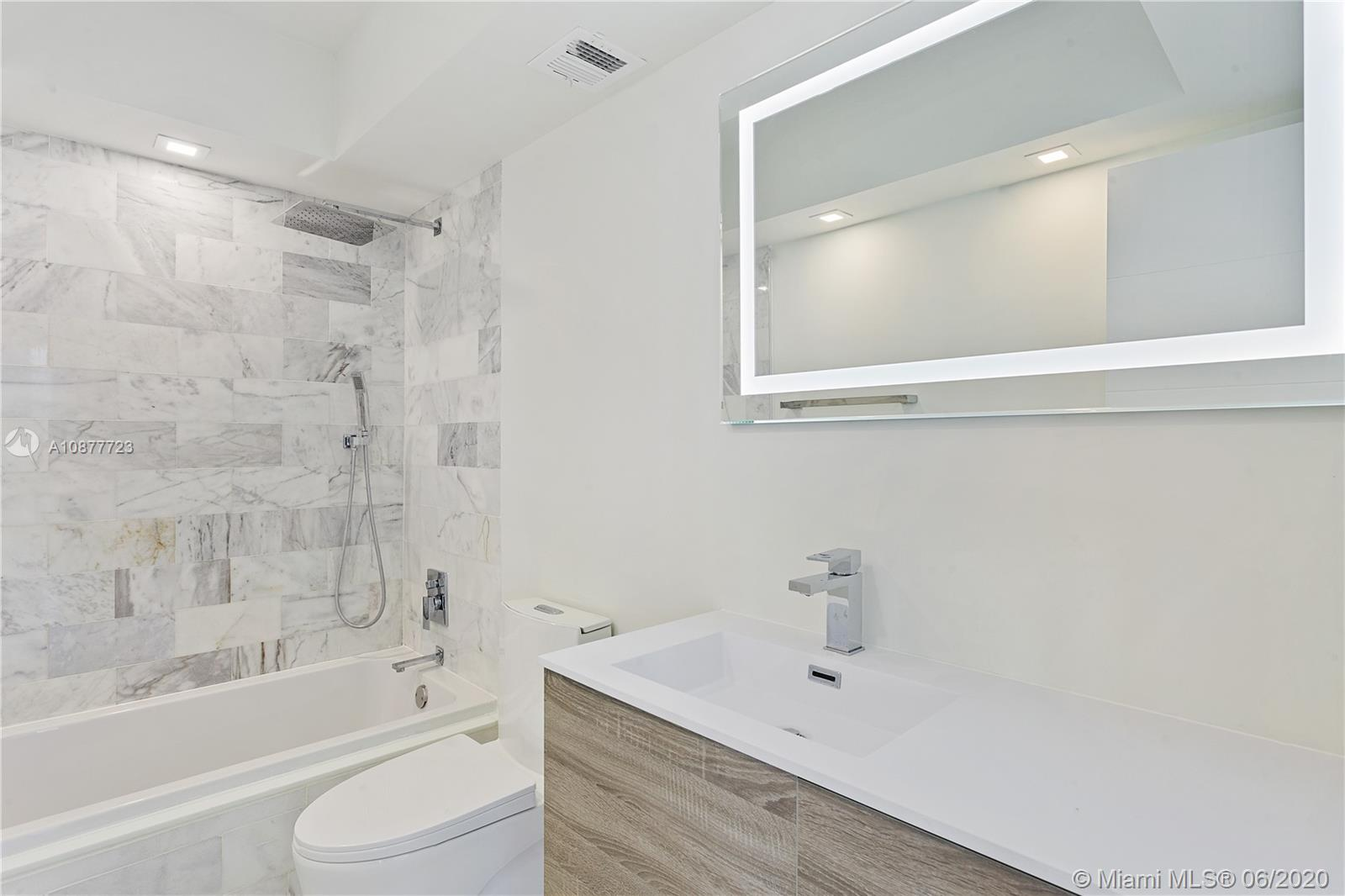 5555 Collins Ave #12R photo010