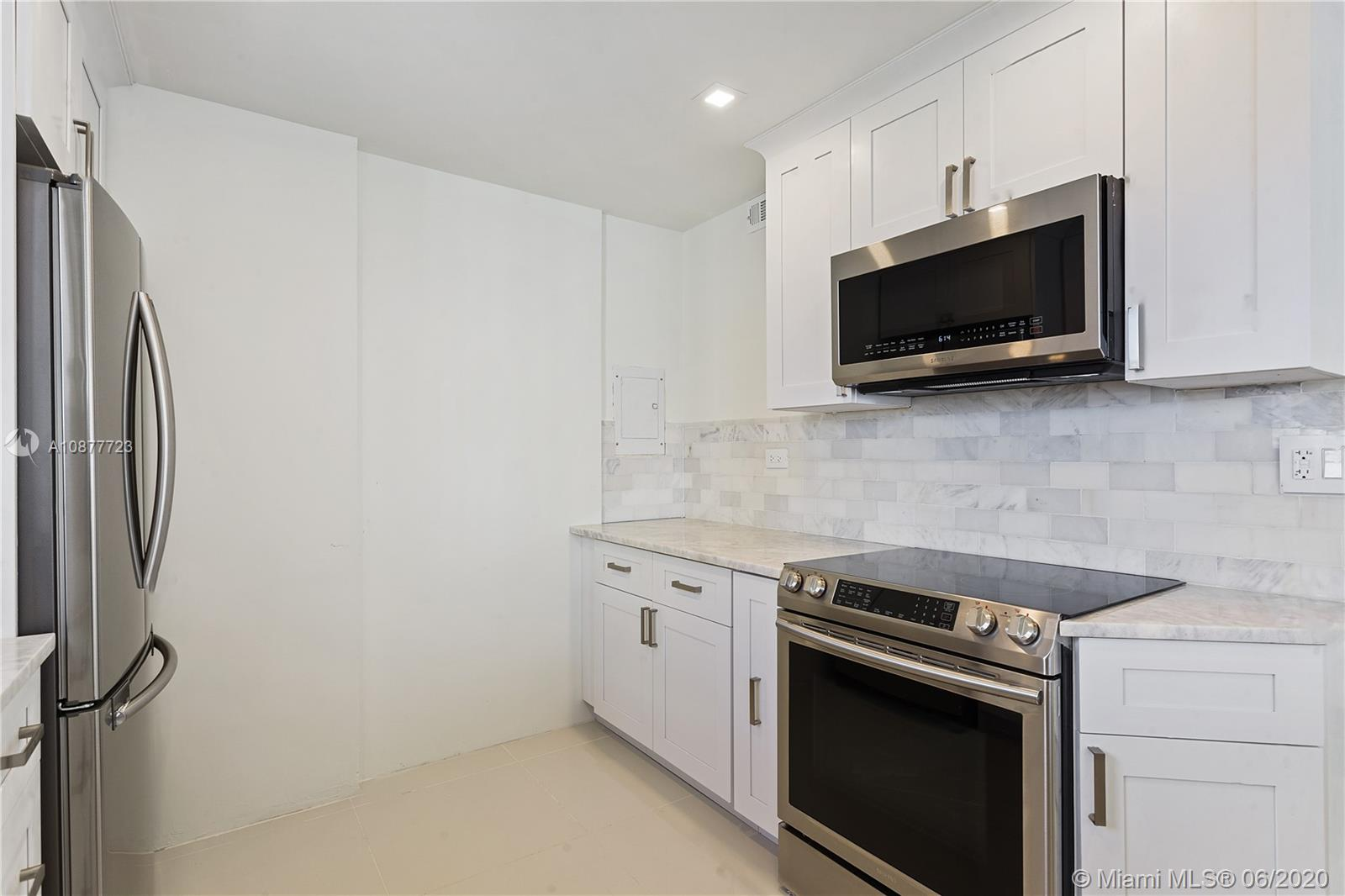 5555 Collins Ave #12R photo04