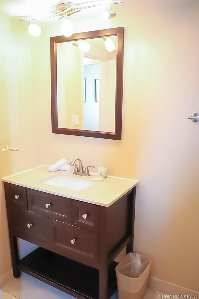5225 Collins Ave #616 photo020