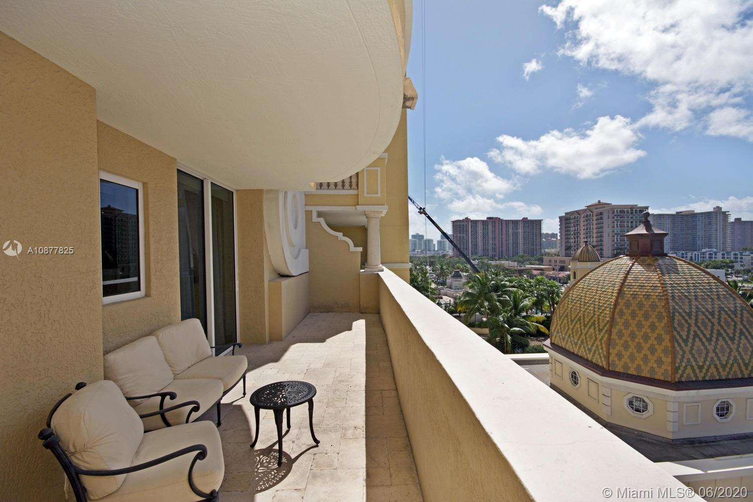 17875 Collins Ave #702 photo031