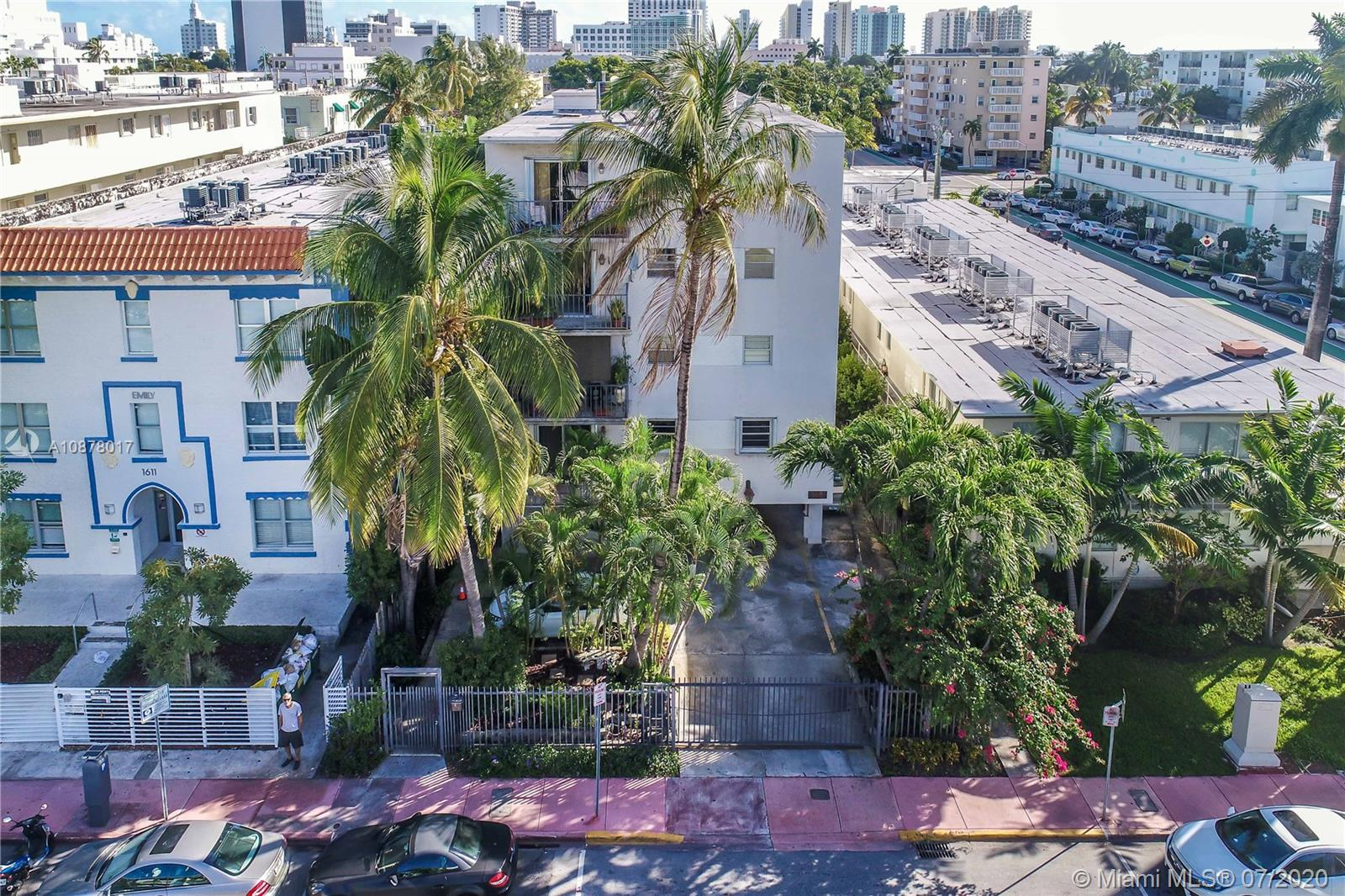 1605 Meridian Ave # 401, Miami Beach, Florida 33139, 2 Bedrooms Bedrooms, ,2 BathroomsBathrooms,Residential,For Sale,1605 Meridian Ave # 401,A10878017