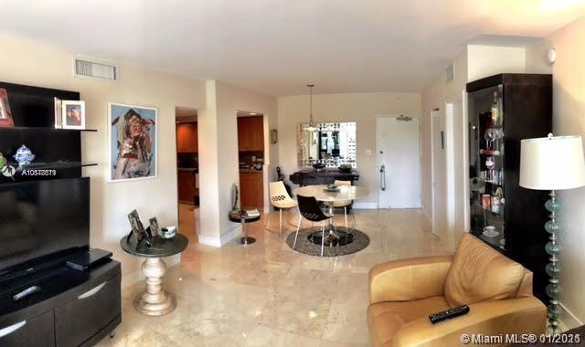 5600 Collins Ave #5N photo07