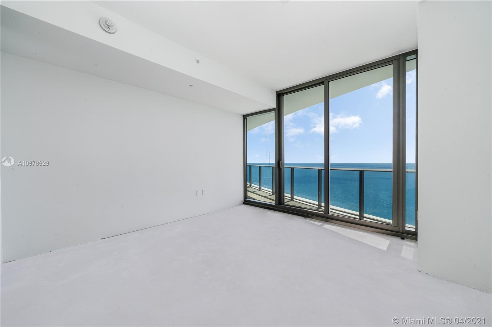 Photo of 15701 Collins #3203 listing for Sale