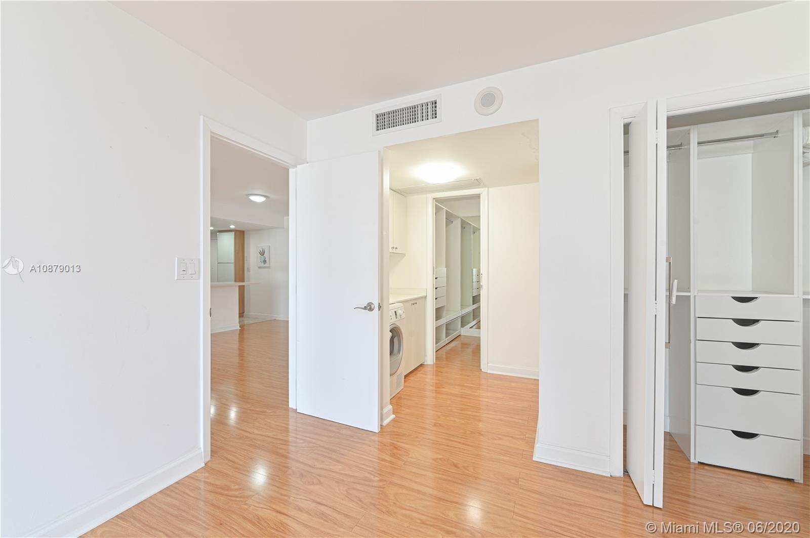 5555 Collins Ave #10Z photo02