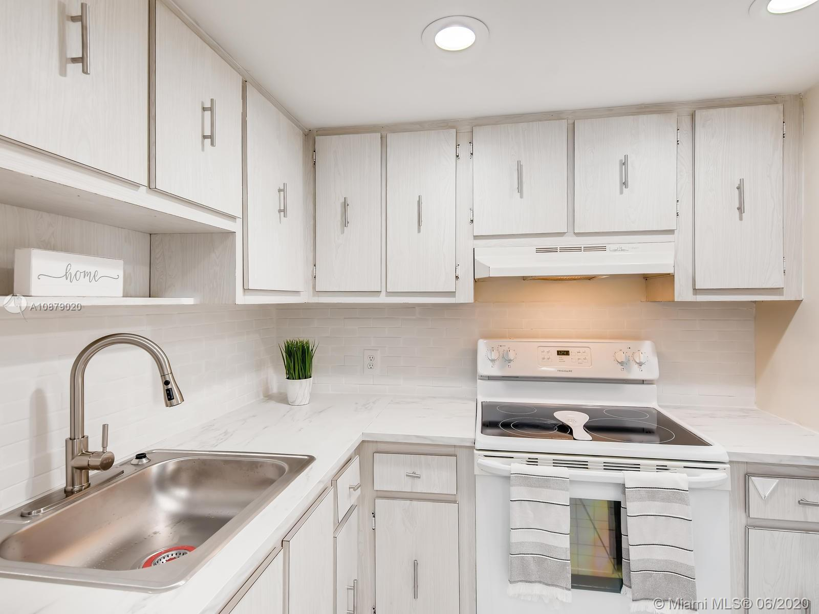100 Bayview Dr #401 photo06