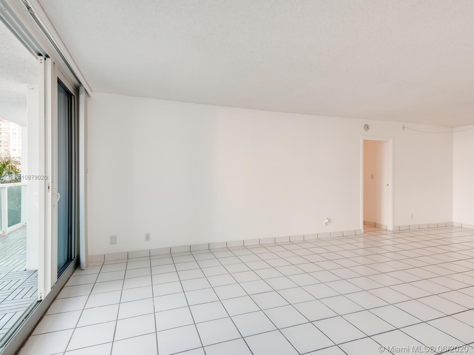 100 Bayview Dr #401 photo010