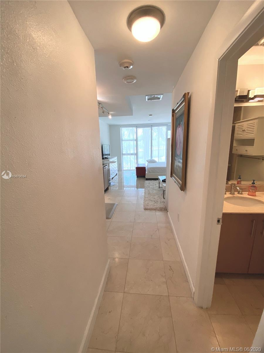 10275 Collins Ave #108 photo02