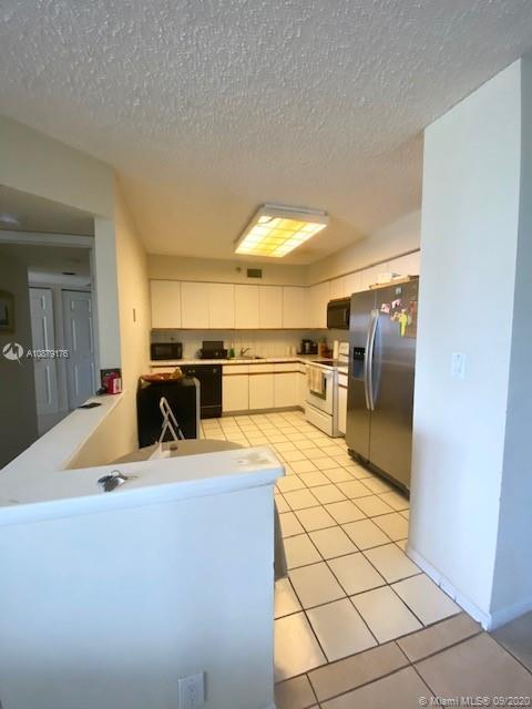 3530 Mystic Pointe Dr #411 photo04