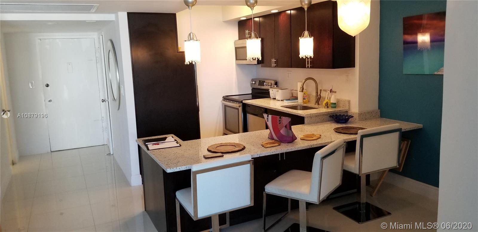 Carriage House #1115 - 5401 Collins Ave #1115, Miami Beach, FL 33140