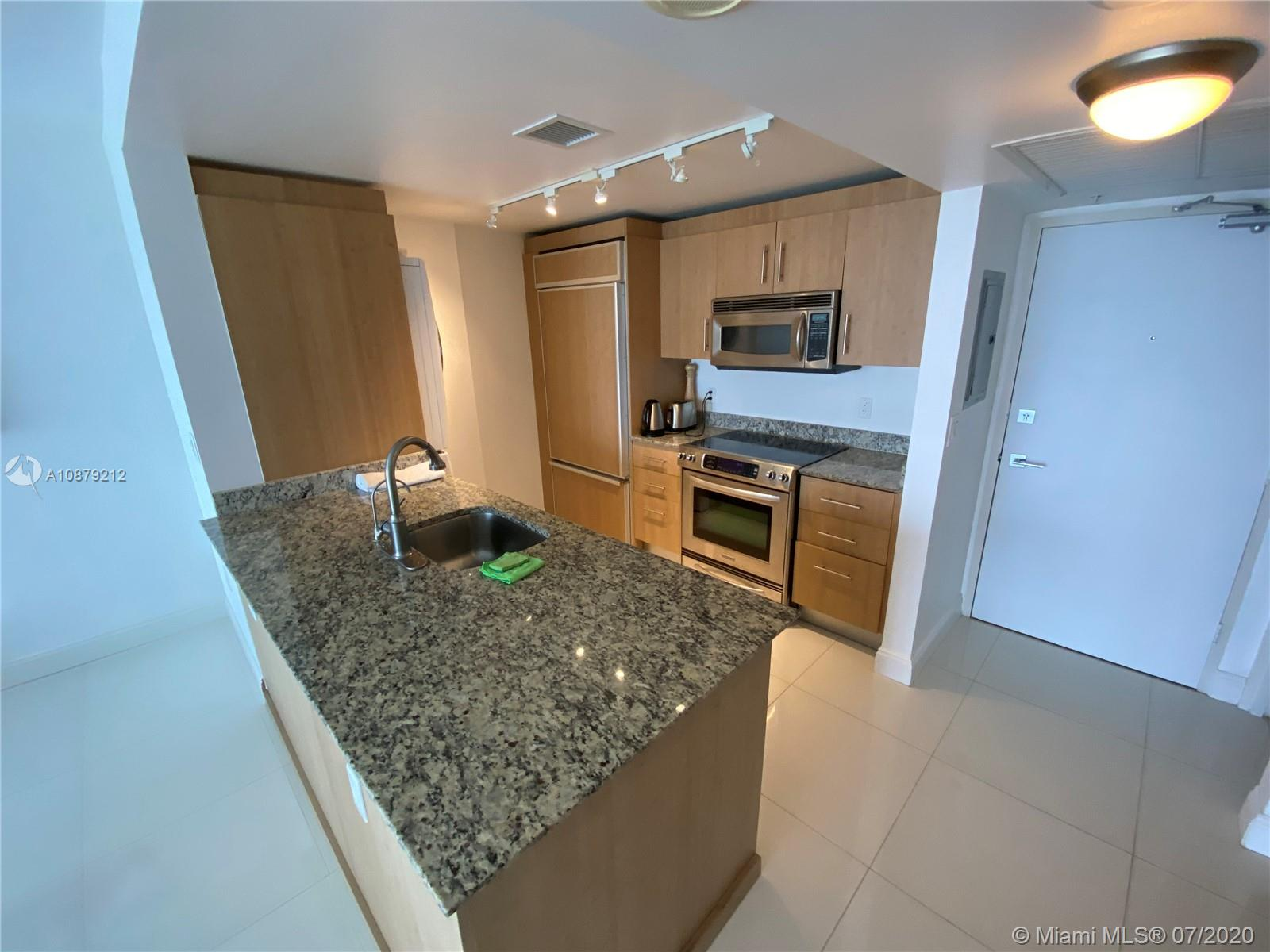 10275 Collins Ave #829 photo06