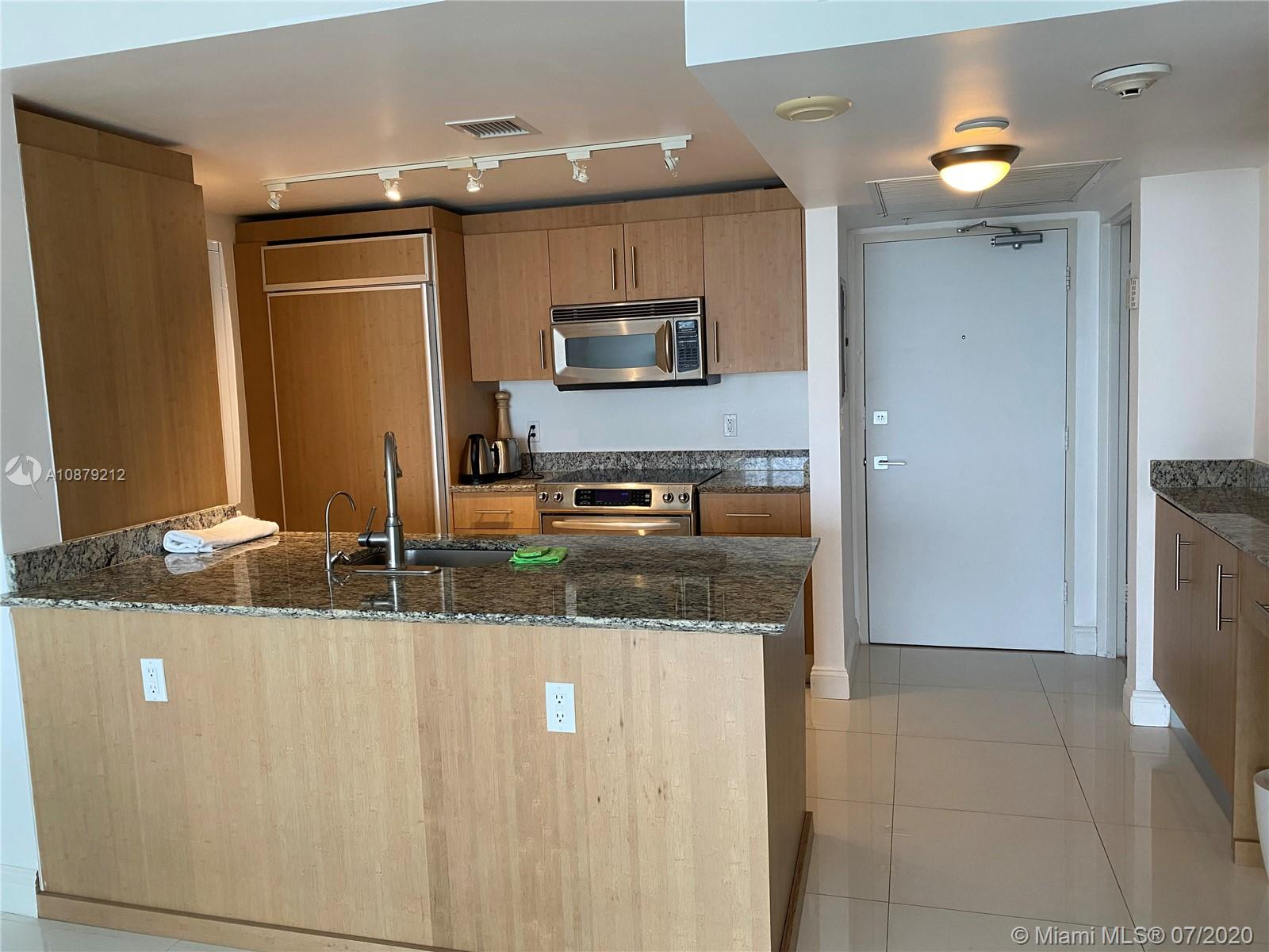 10275 Collins Ave #829 photo05