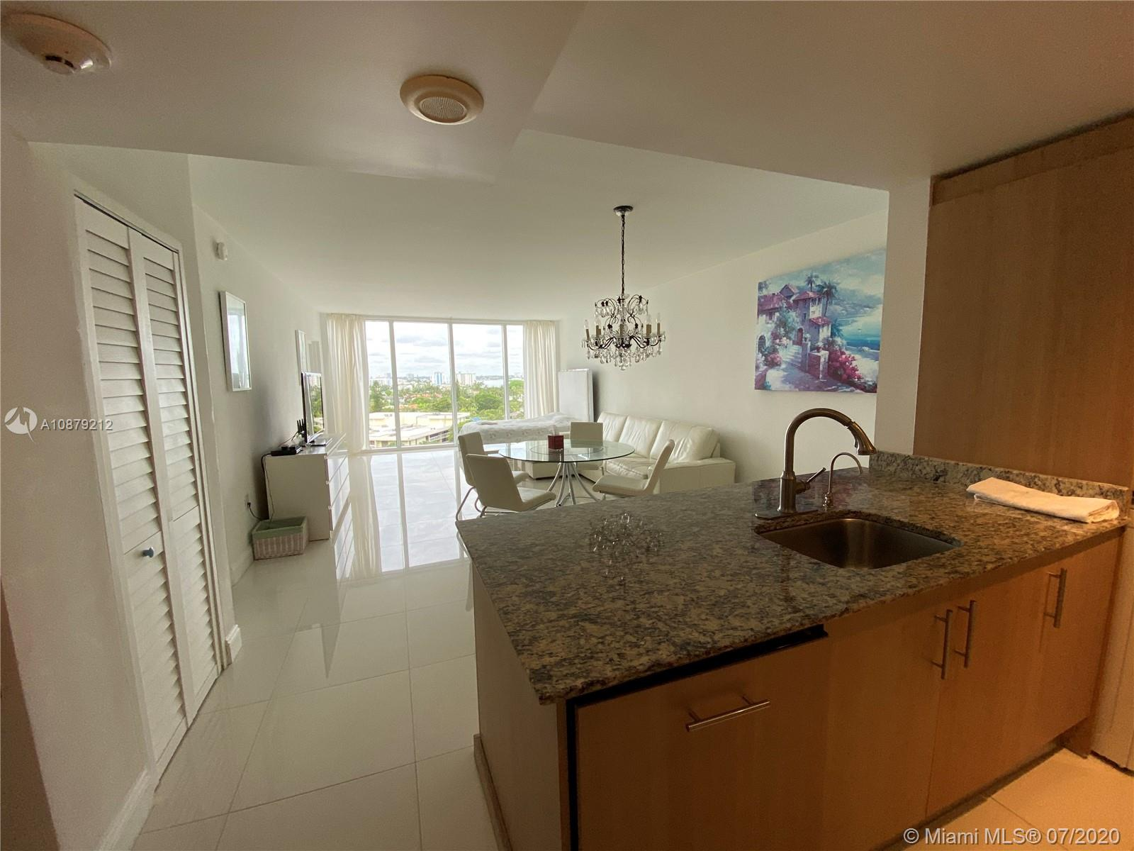 10275 Collins Ave #829 photo08
