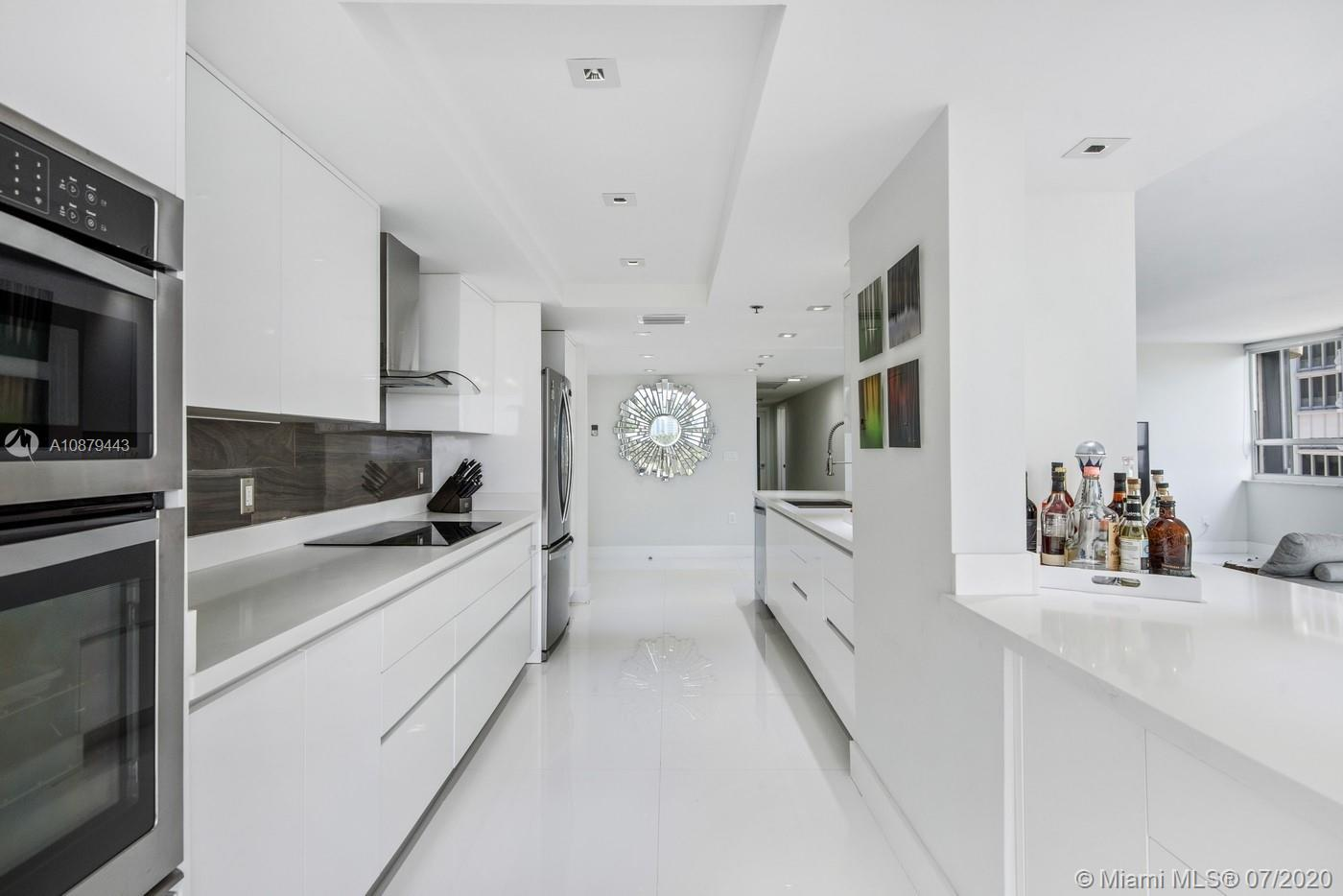 10175 Collins Ave #508 photo08