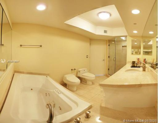 16500 Collins Ave #552 photo05