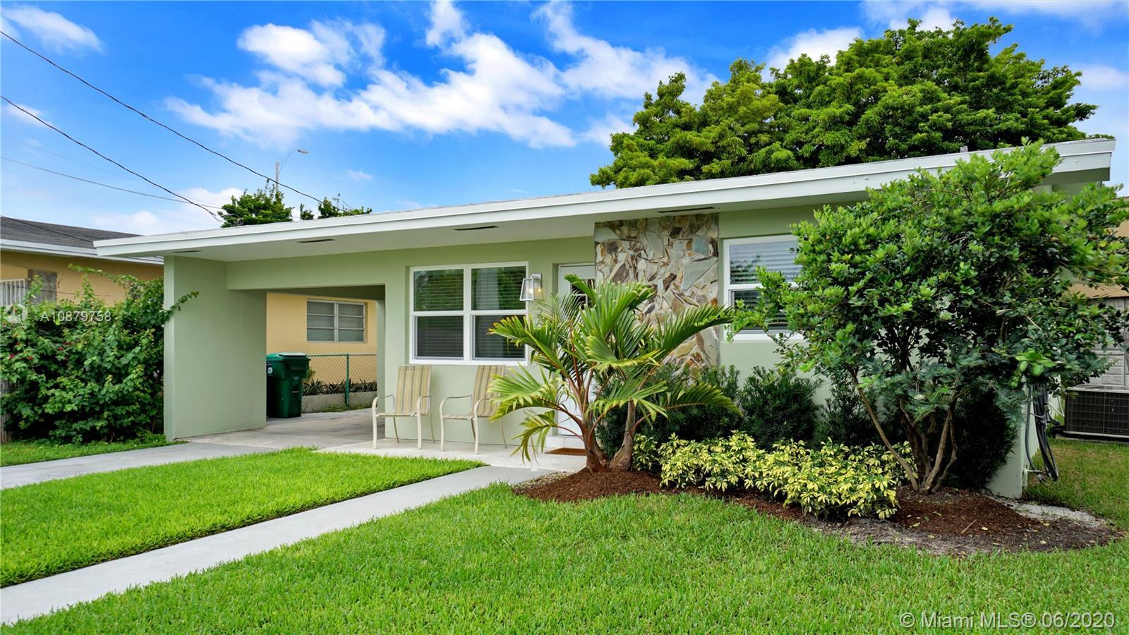 Central Miami # - 01 - photo
