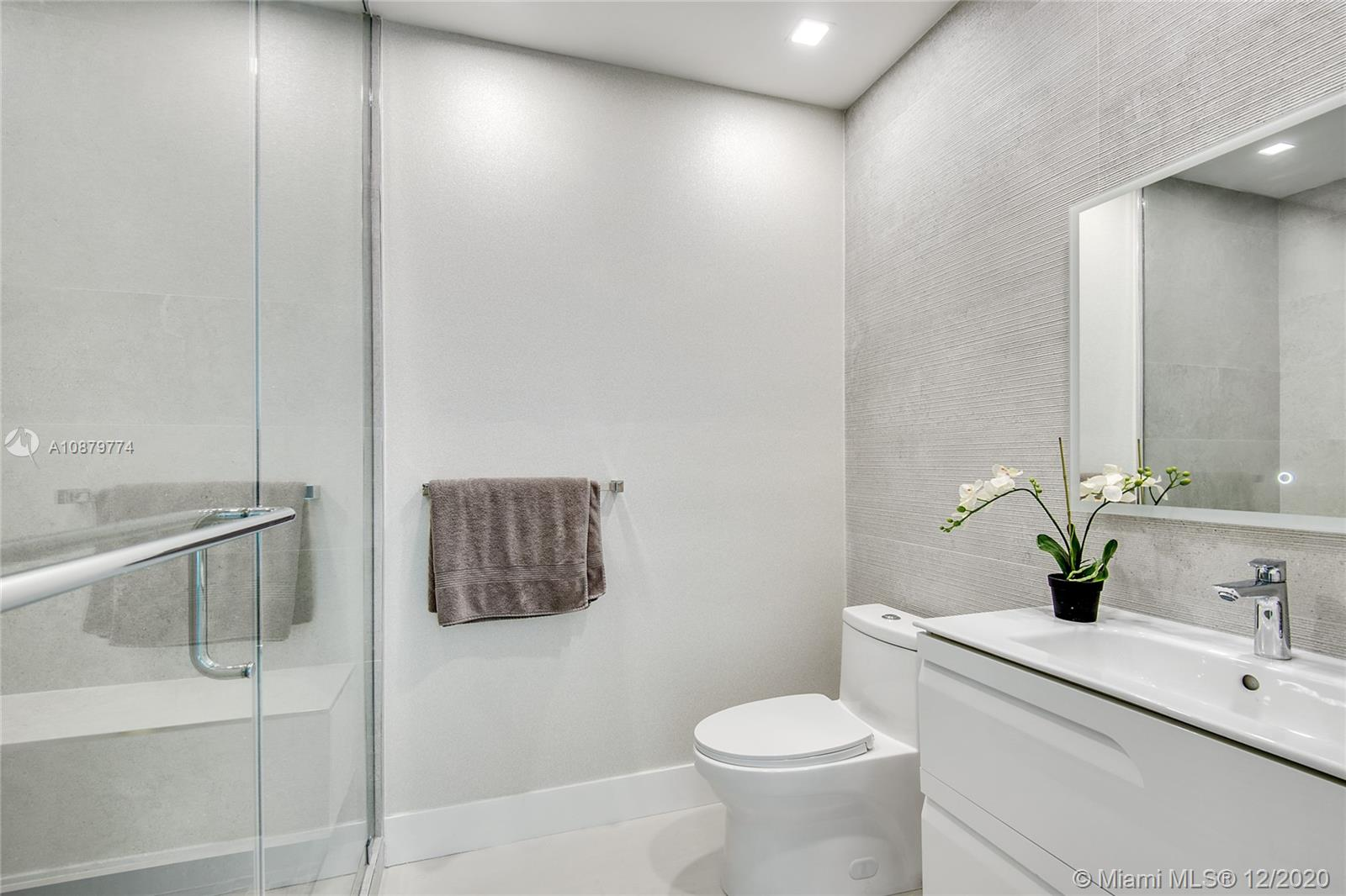 Photo of 100 S POINTE DR #609 listing for Sale
