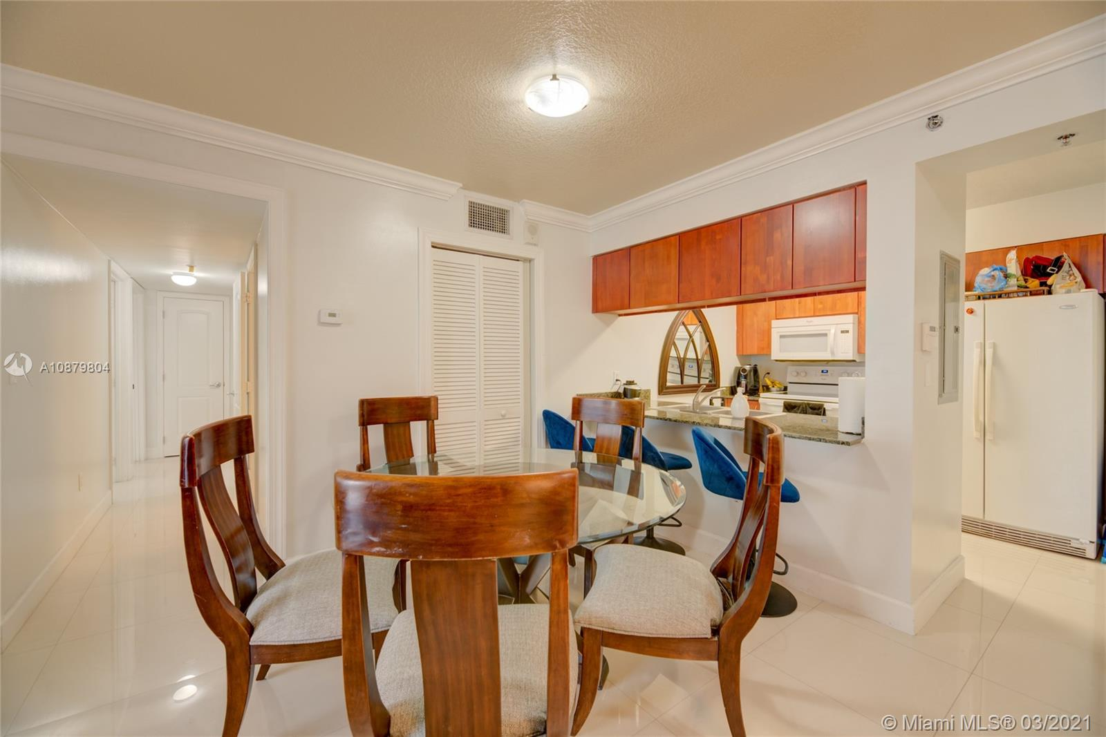 1200 Brickell Bay Dr #2224 photo04
