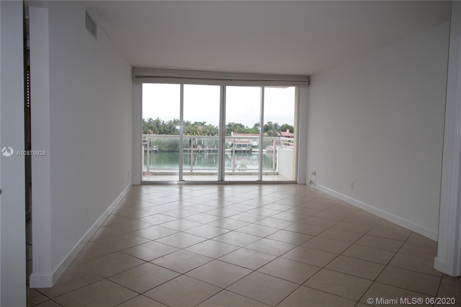 5600 Collins Ave #4J photo02