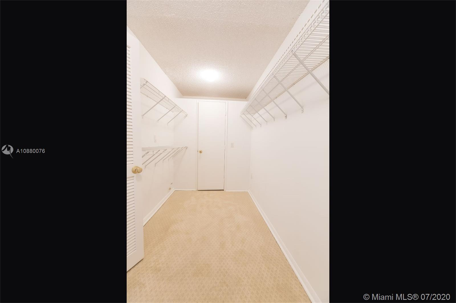 6423 Collins Ave #1509 photo027