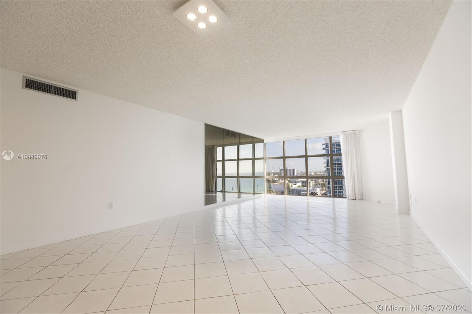 6423 Collins Ave #1509 photo06