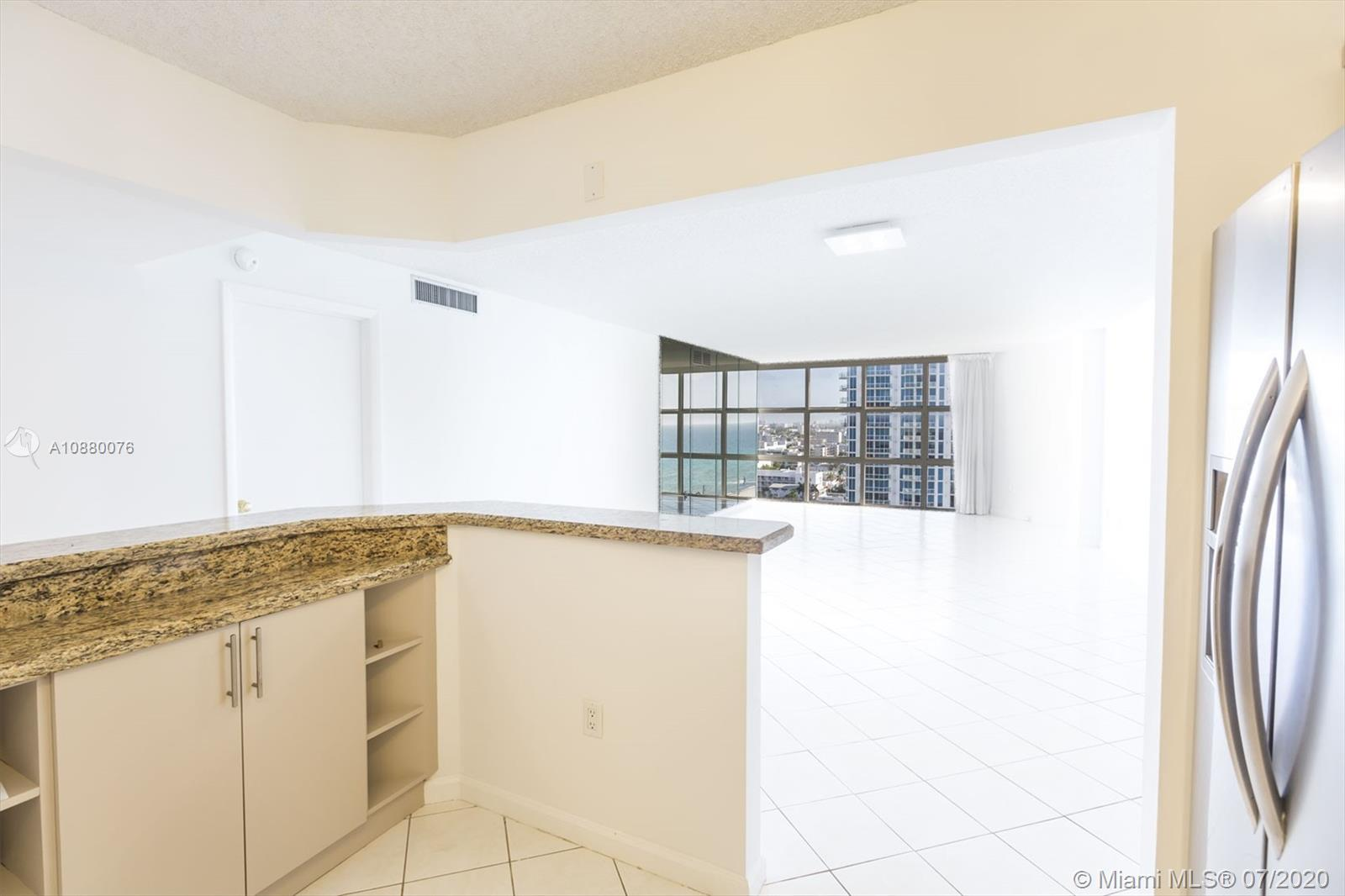 6423 Collins Ave #1509 photo011