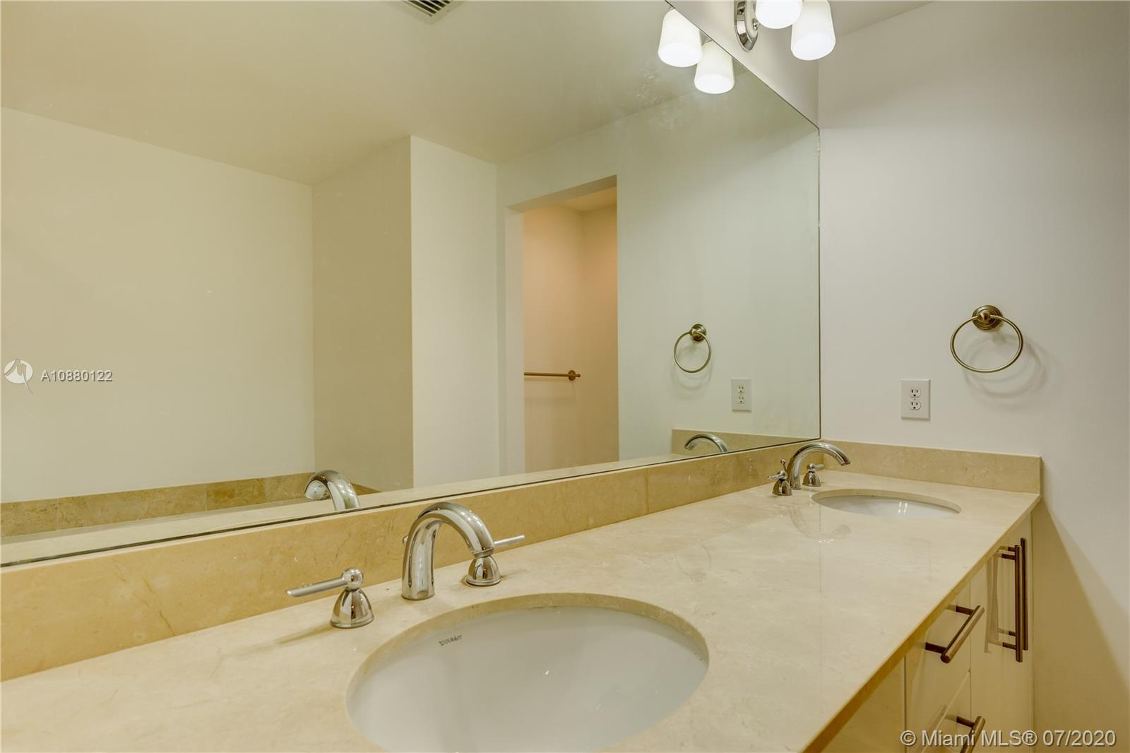 Photo of 3330 NE 190th St #1618 listing for Sale