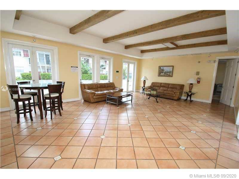 image #1 of property, Villas Of Pinecrest Condo, Unit 512
