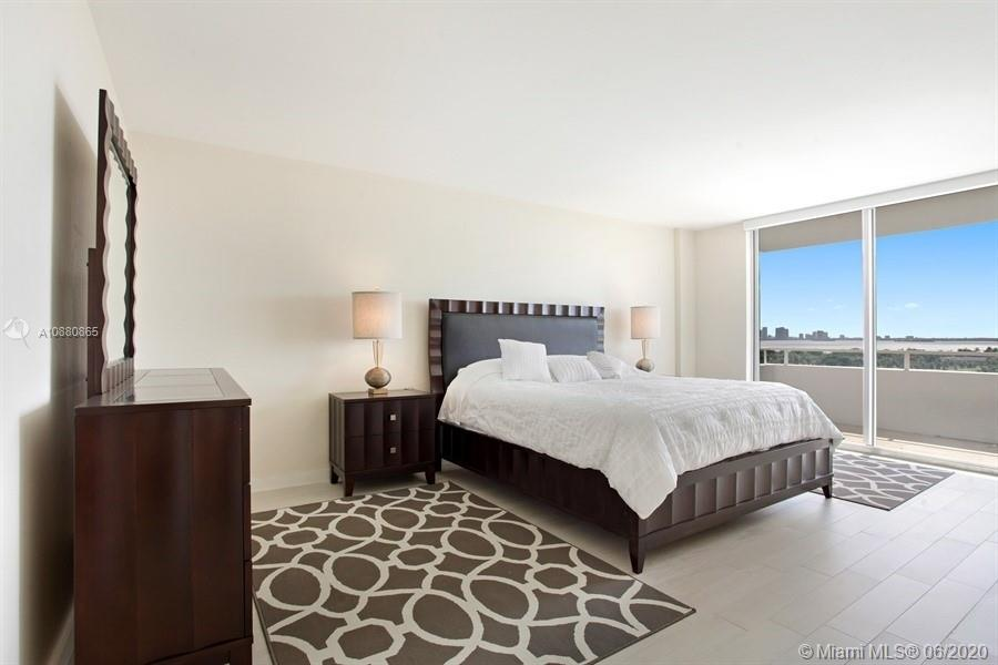 5700 Collins Ave #14E photo06