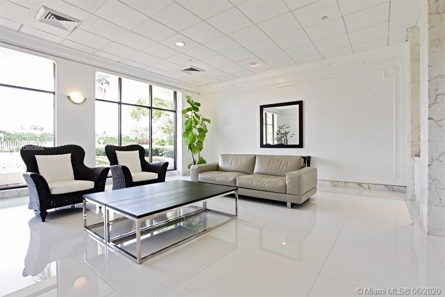 5700 Collins Ave #14E photo07