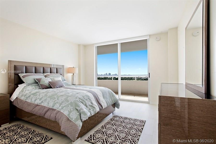 5700 Collins Ave #14E photo08