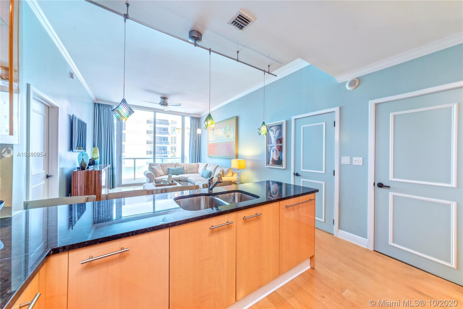 6799 Collins Ave #210 photo03