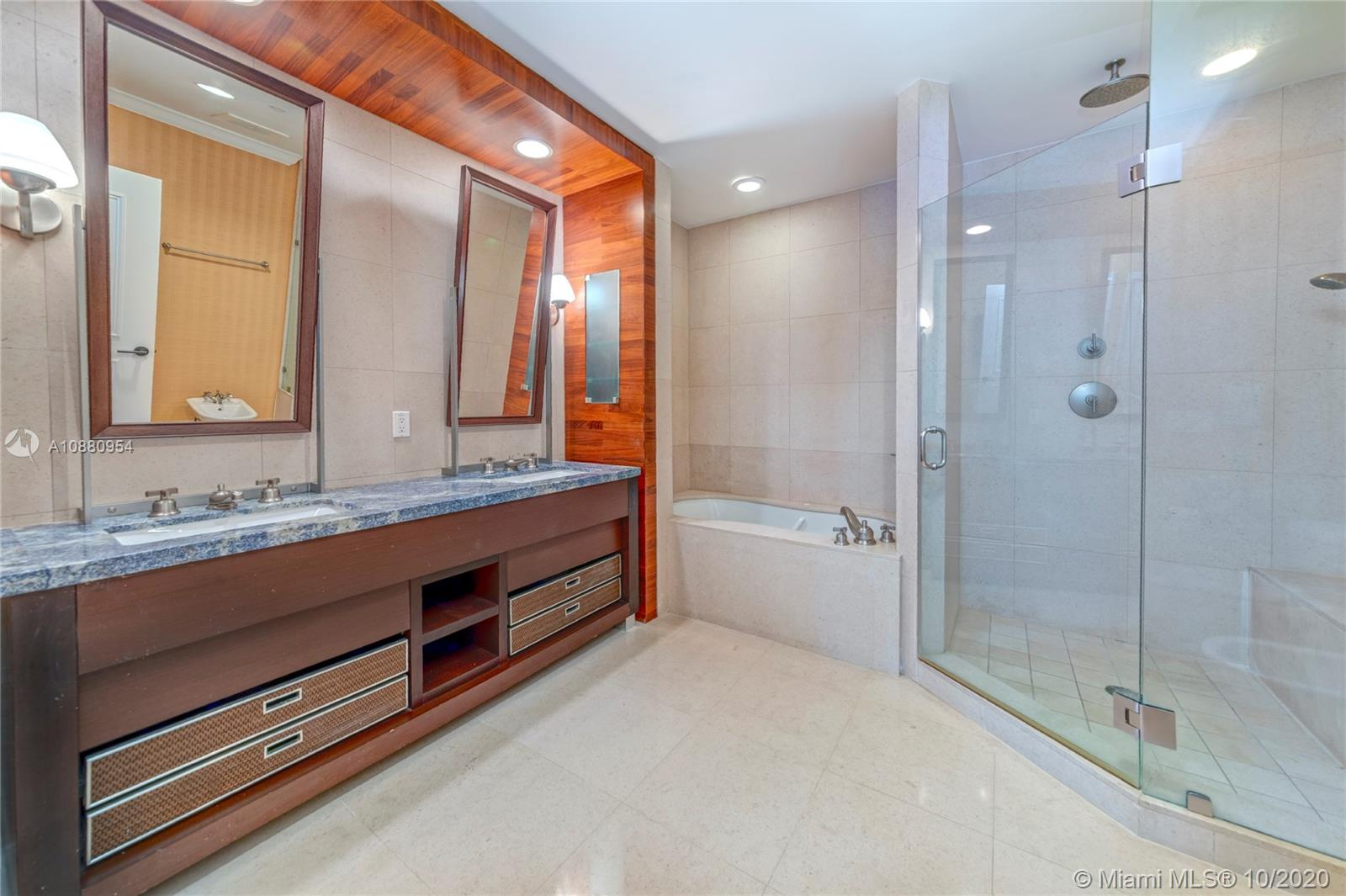 6799 Collins Ave #210 photo09