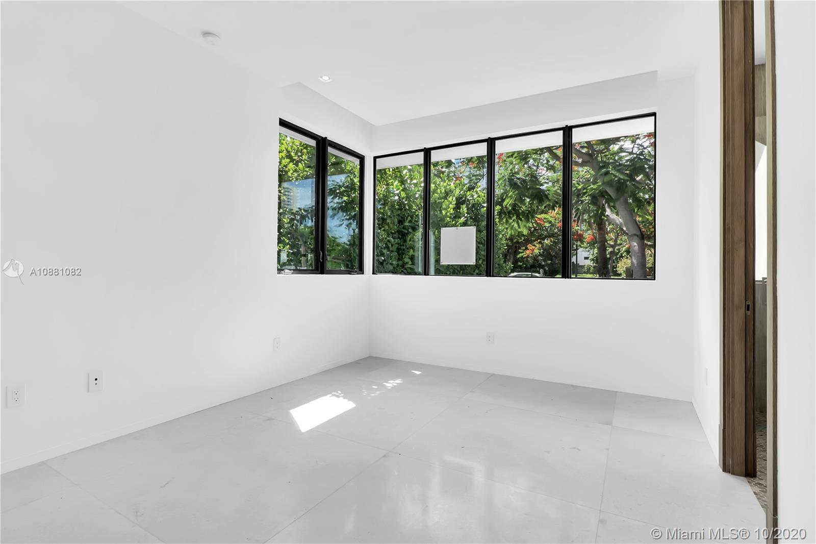 2140 S Miami Ave photo045