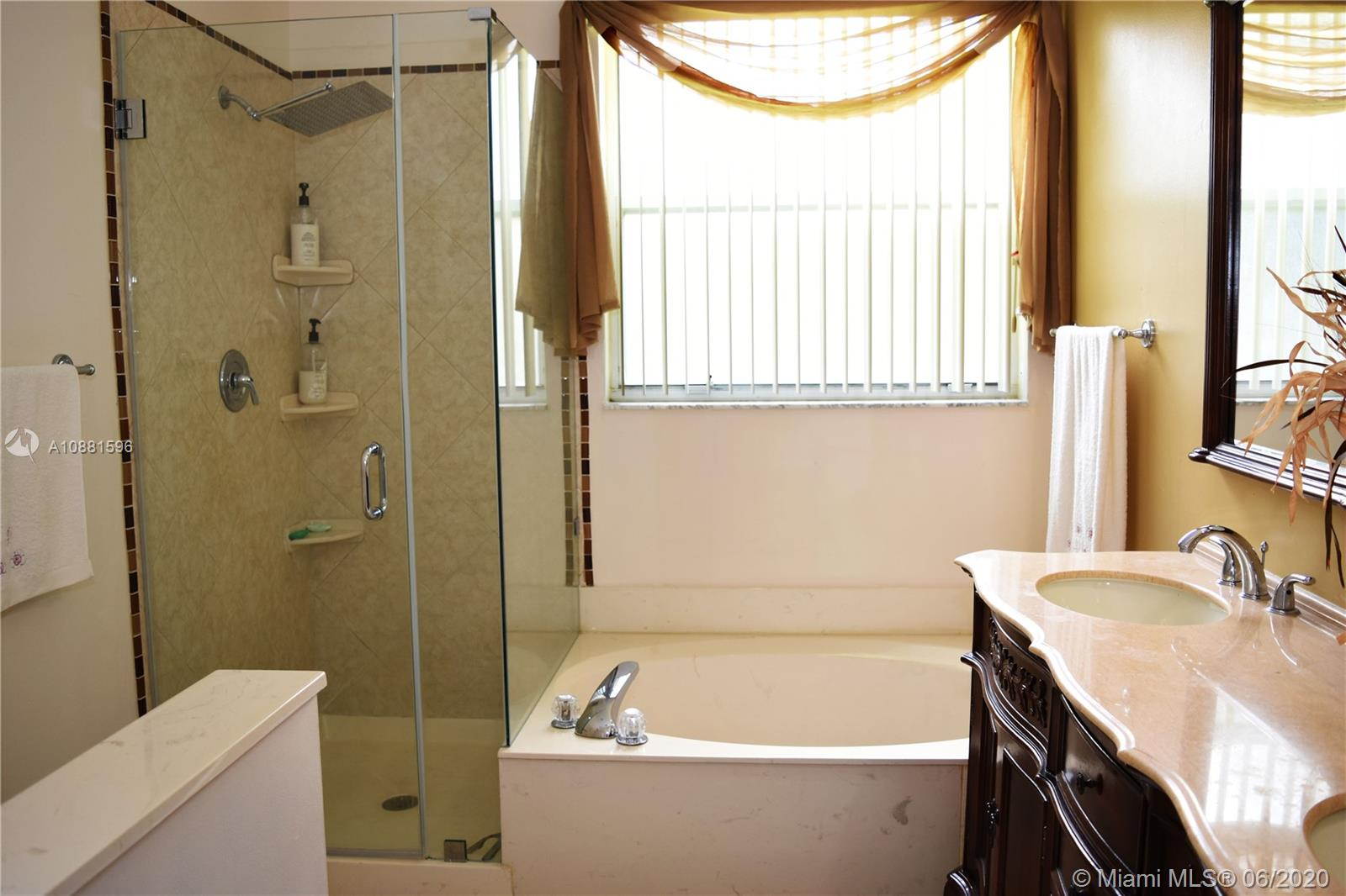 383 NW 152nd Ln photo039