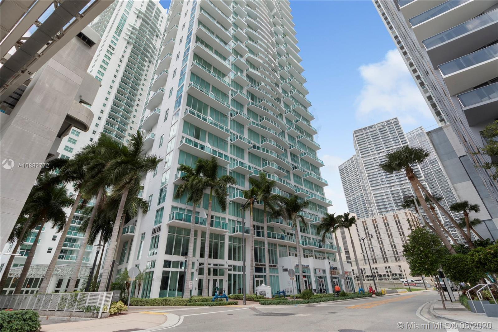 Brickell on the River #408 - 02 - photo