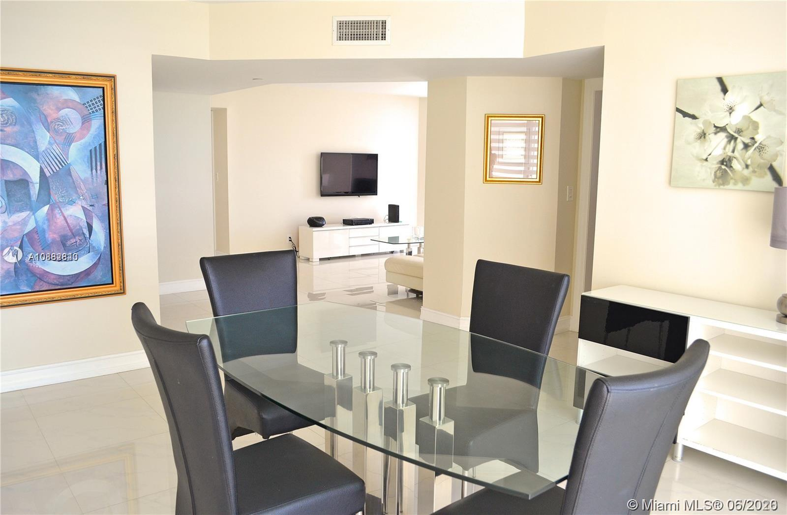 16425 Collins Ave #818 photo09