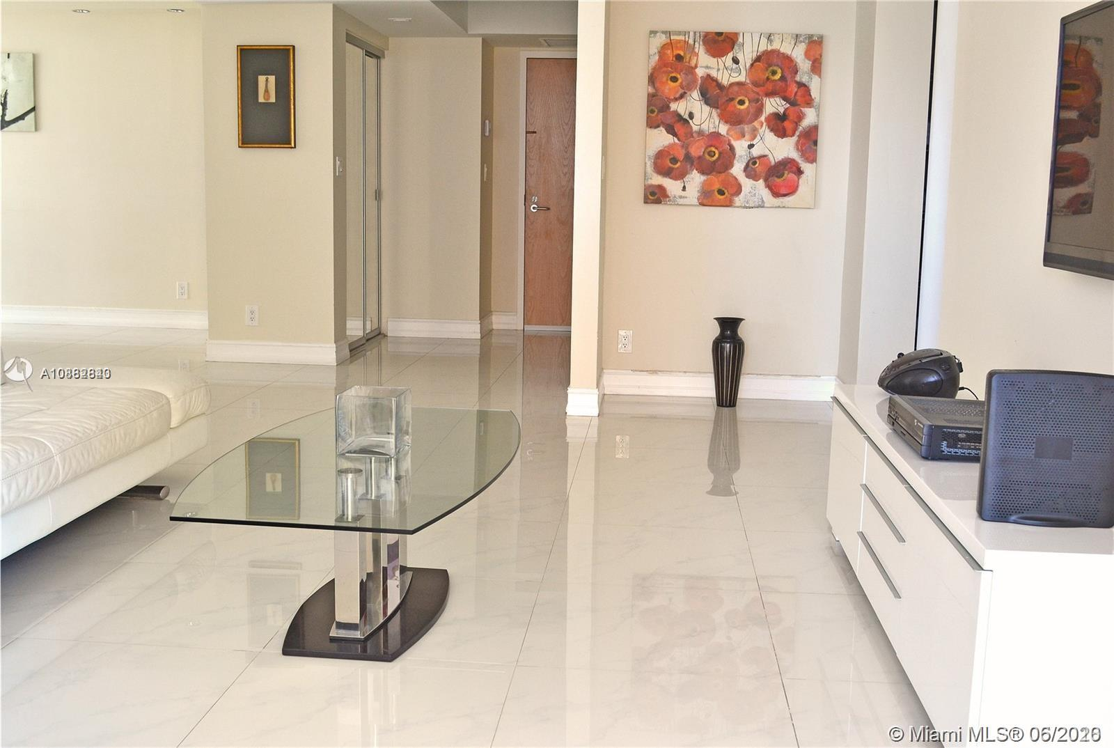 16425 Collins Ave #818 photo010