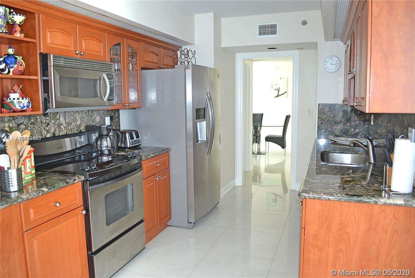 16425 Collins Ave #818 photo014