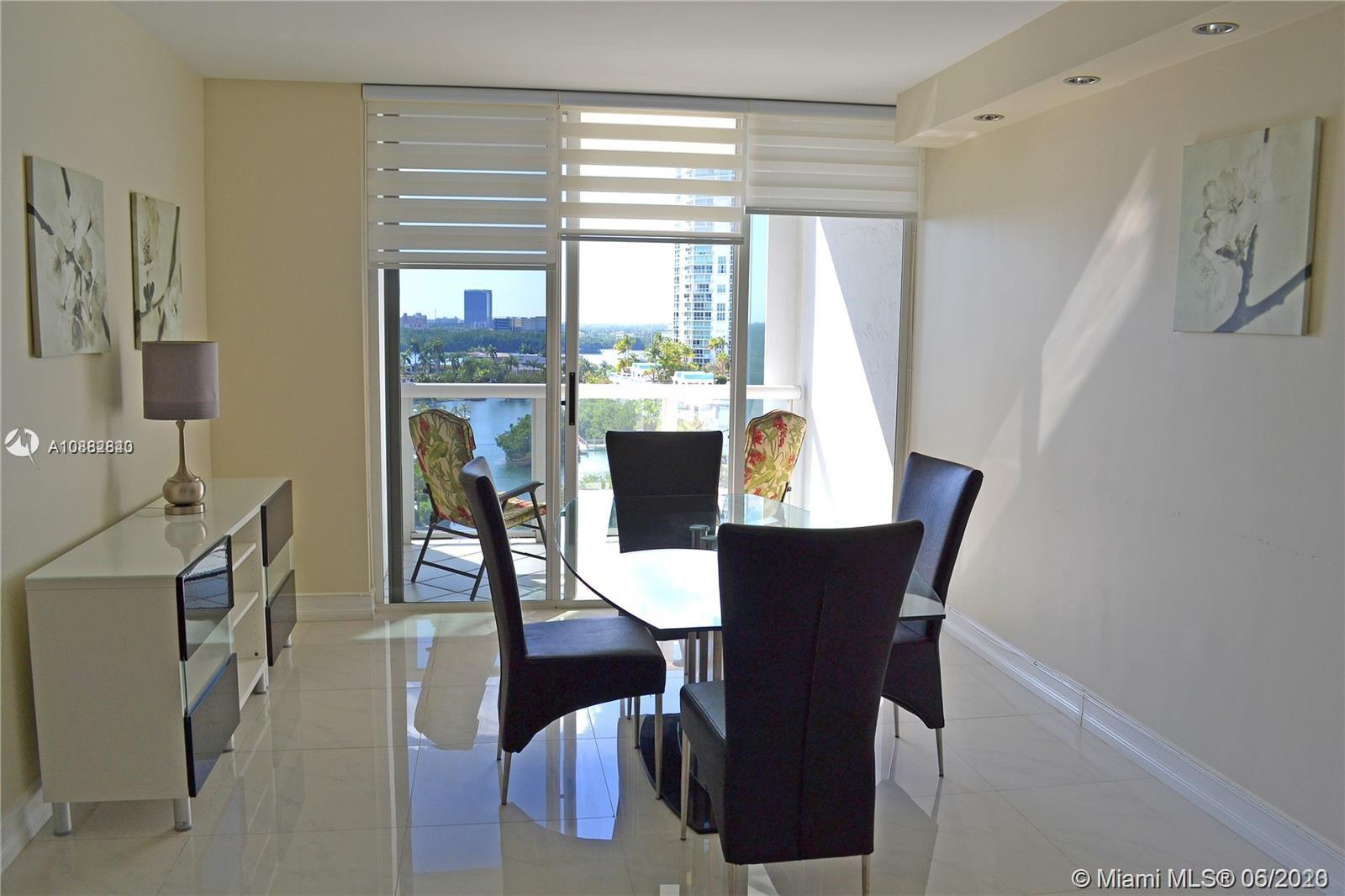 16425 Collins Ave #818 photo08