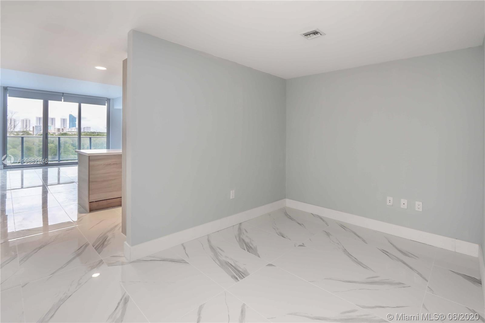 16385 Biscayne Blvd #619 photo010
