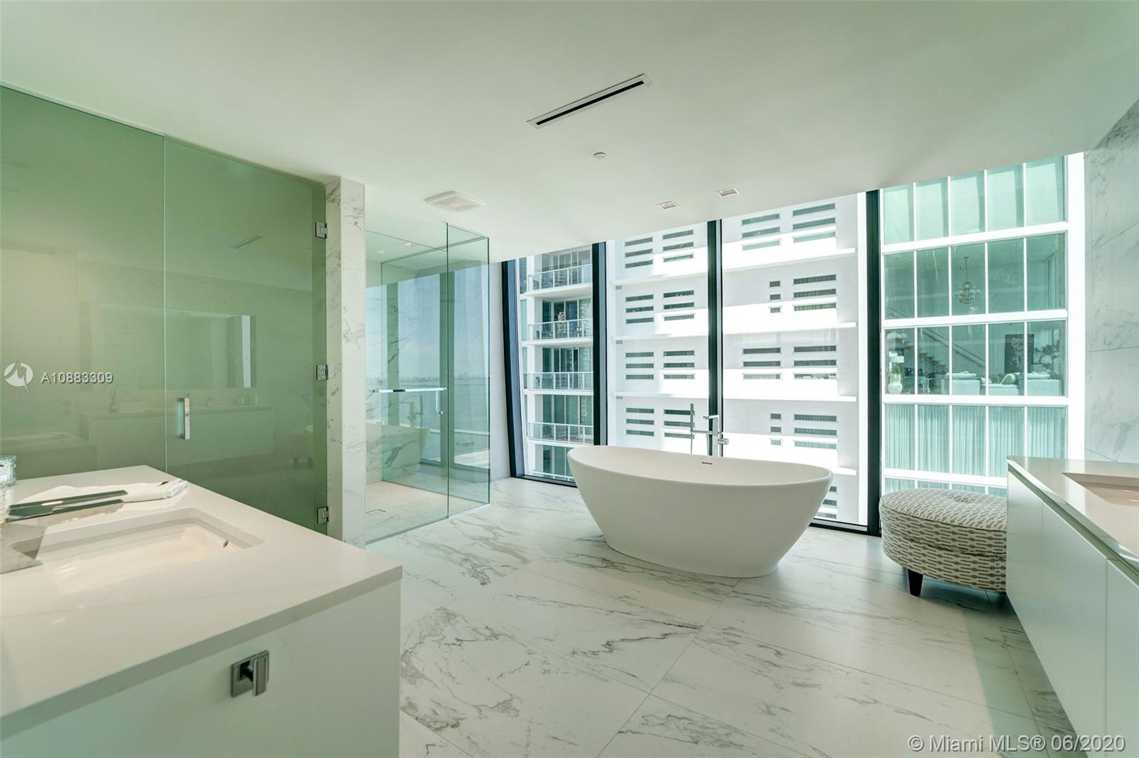 1000 Biscayne Blvd #3302 photo09
