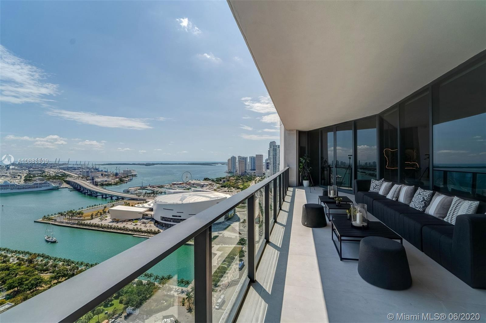 1000 Biscayne Blvd #3302 photo018