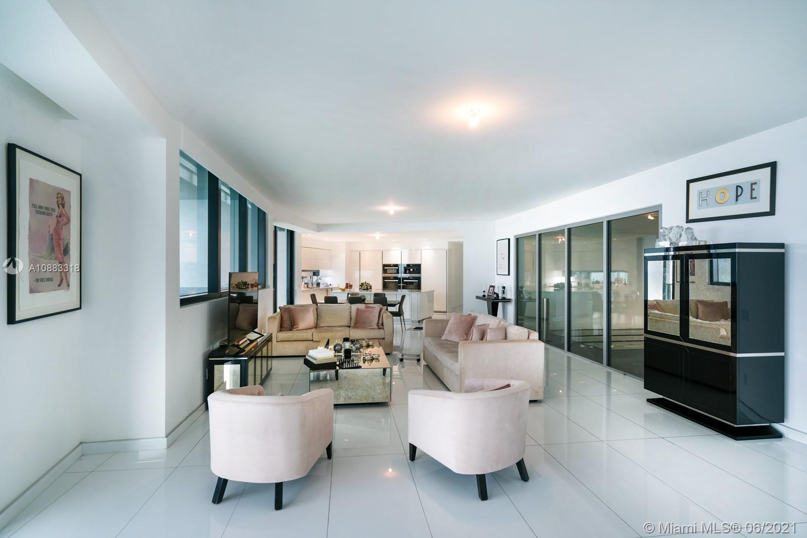 18555 Collins Ave #3601 photo02